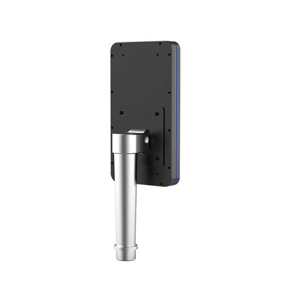 Controllo Accesso Temperatura Corporea - Vista posteriore su palo