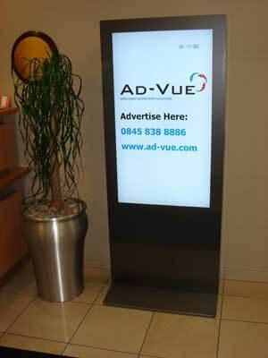 Totem Digital signage - ideali per banche